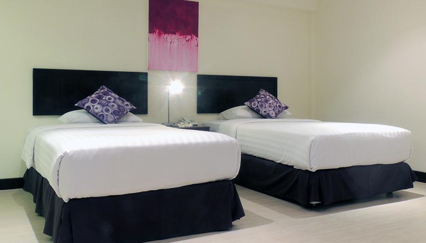 ../img/rooms/deluxe4.jpg
